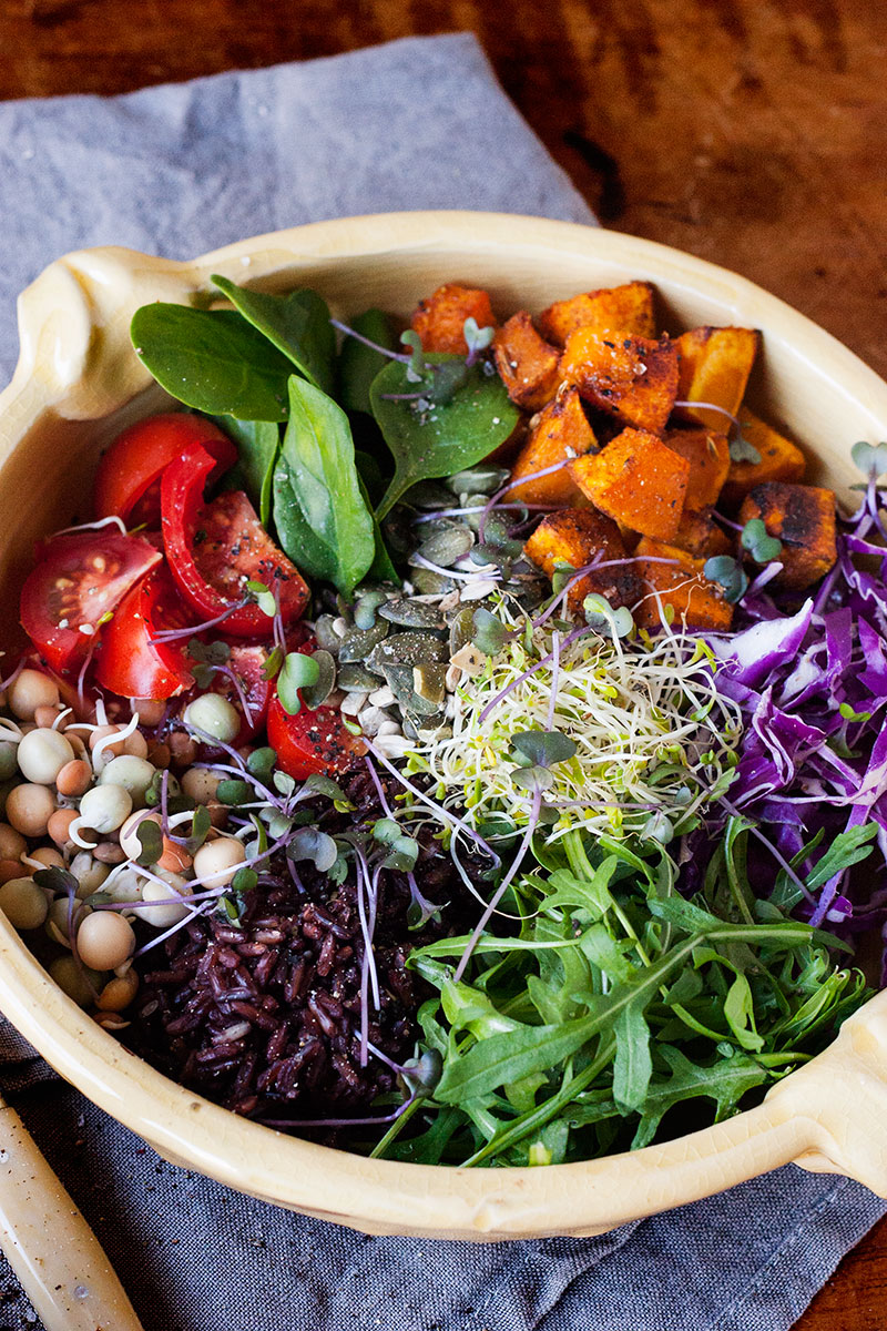 Goddess bowl with gorgeous green dressing